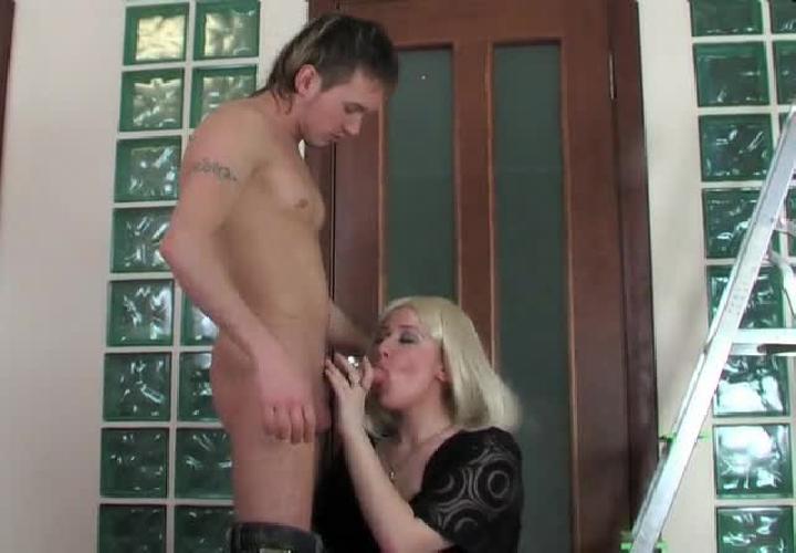 Хозяин хочет ебать домработницу а она не хочет фото 524-363